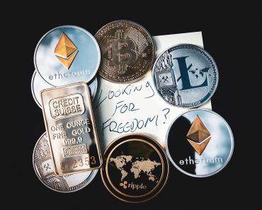 O comércio de criptomoedas: como comprar, vender e investir.